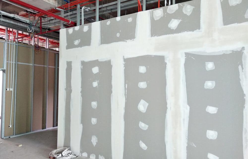 Выравнивание стен квартиры гипсокартоном